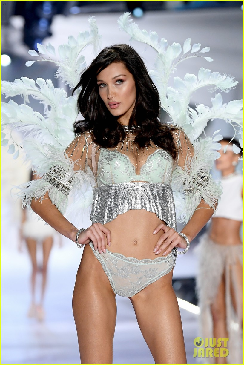 the weeknd supports bella hadid at victorias secret fashion show 26