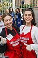 amelia delilah hamlin volunteer to dish out holiday meals 01