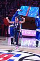 lonnie chavis shows off his dancing skills at la clippers game 01