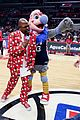 lonnie chavis shows off his dancing skills at la clippers game 04