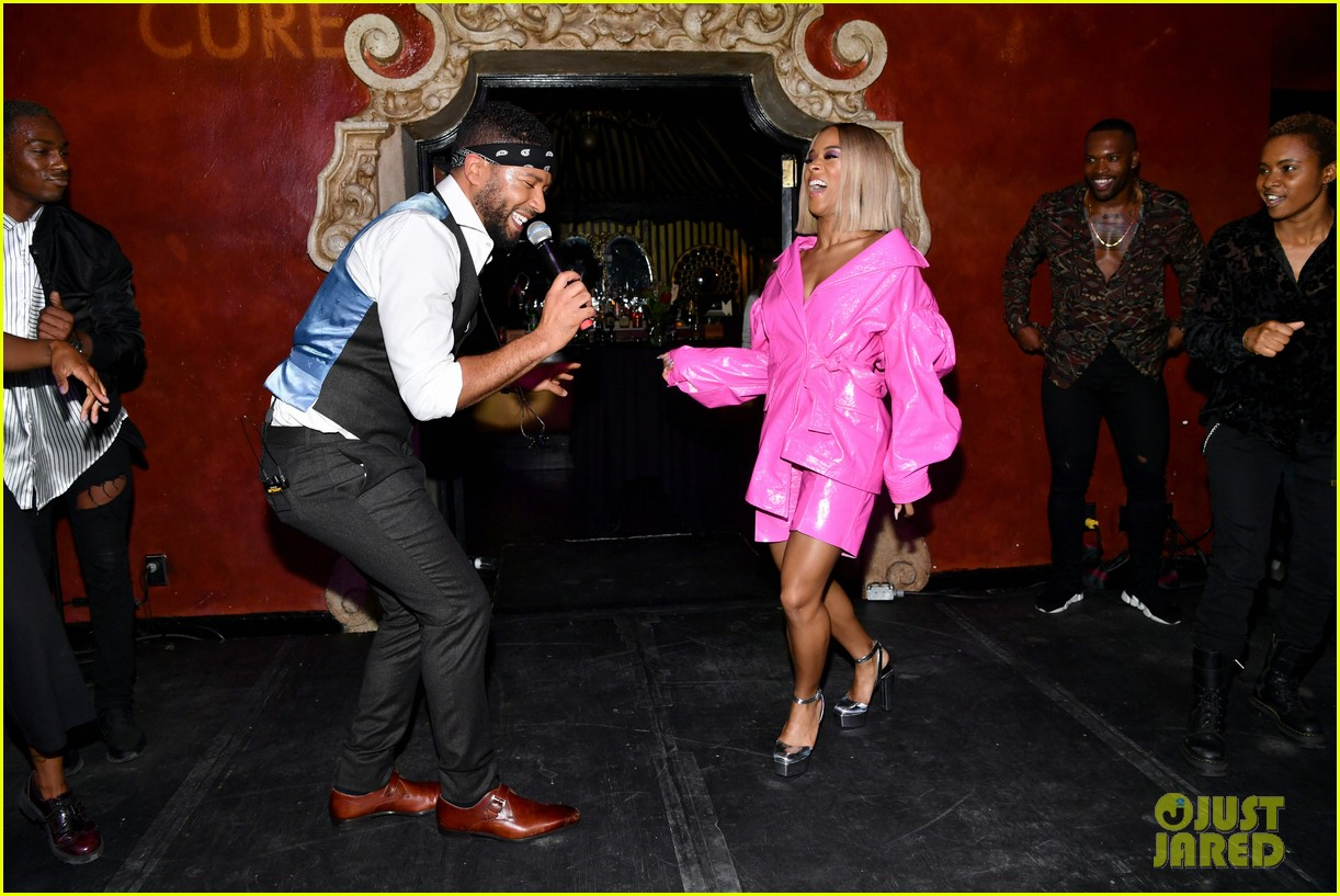 empires jussie smollett serayah dance to find cure at amfar event 10