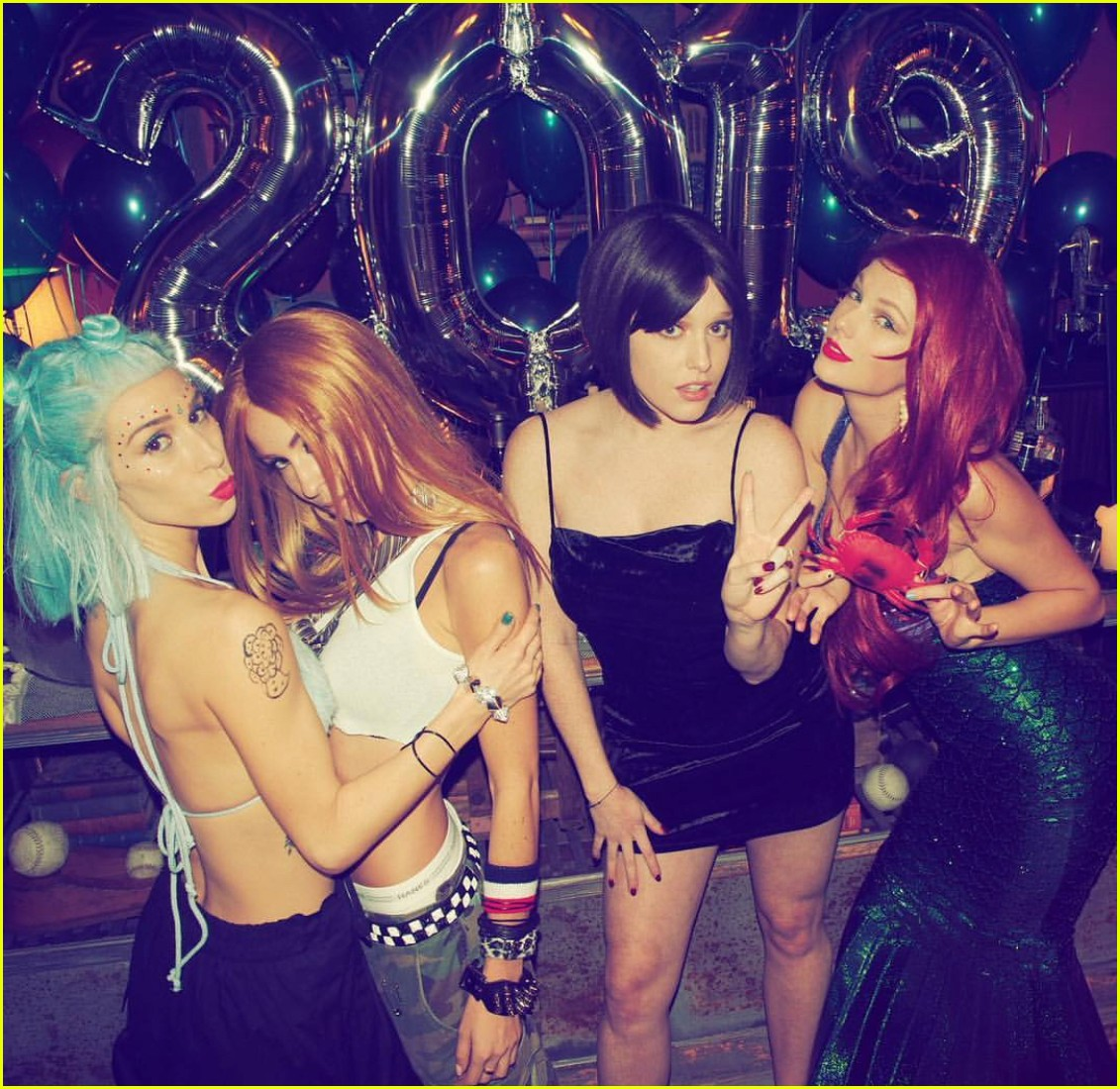 taylor swift new years eve costume party 03