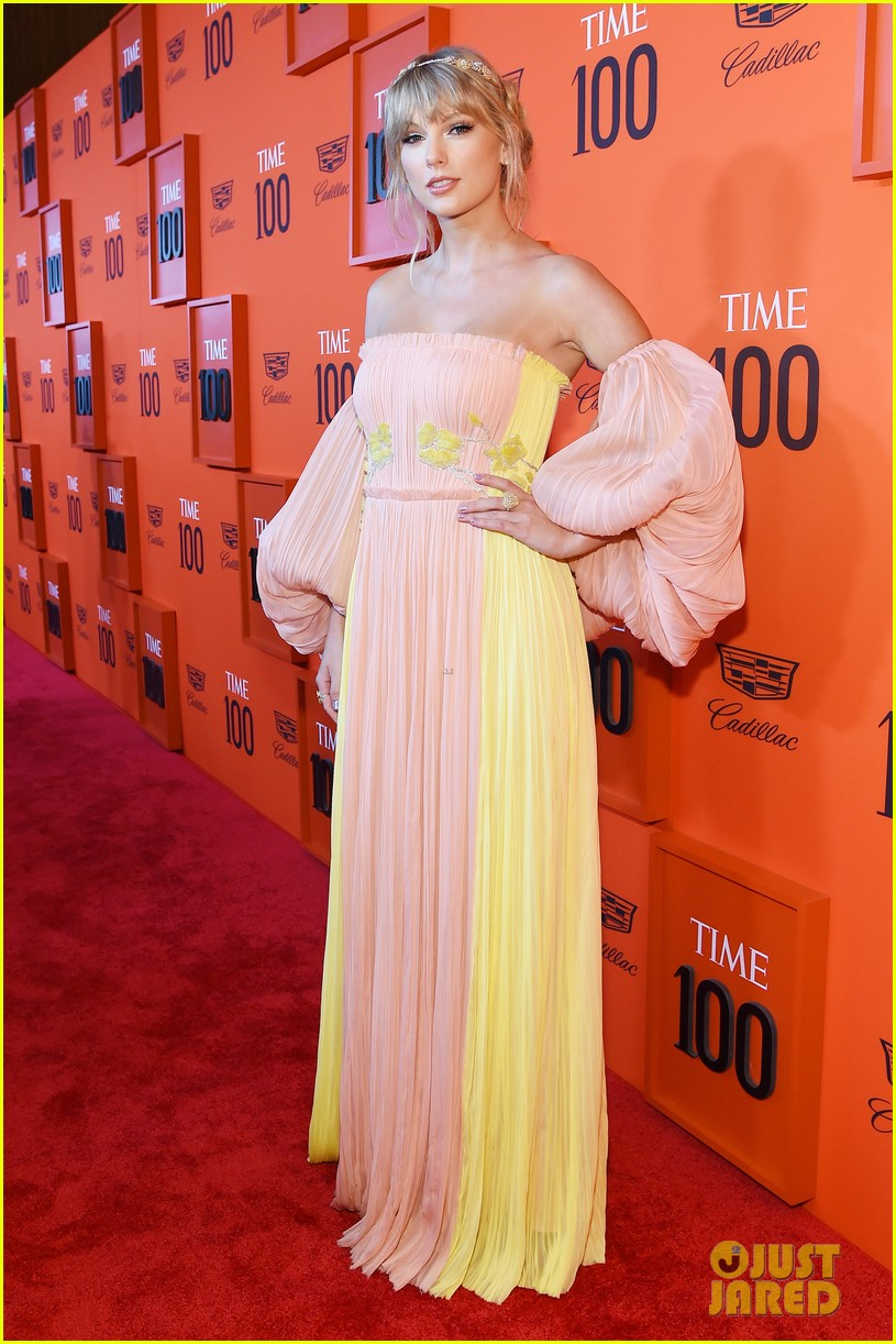 taylor swift wows in pastels at time 100 gala 01