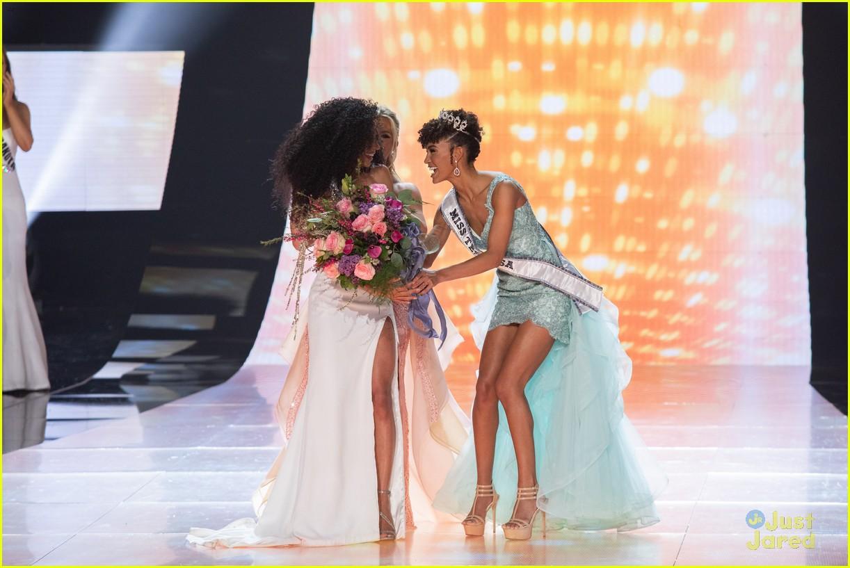 cheslie kryst, top 10 de miss universe 2019. - Página 2 Kaliegh-garris-curls-talk-miss-usa-02