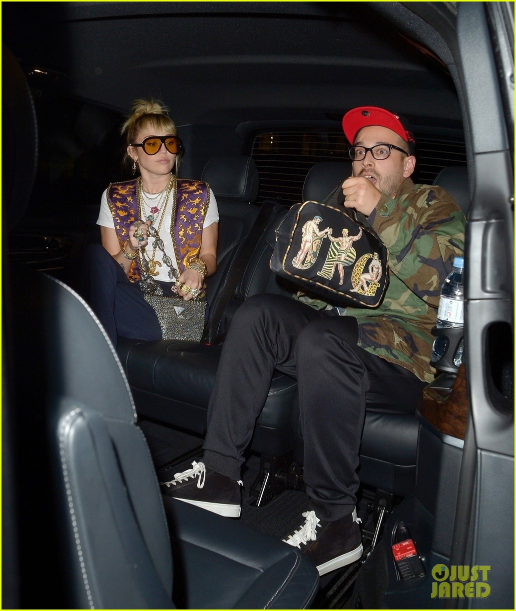 miley cyrus mayfair restaurant outing 02