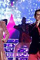 taylor swift brendon urie the voice finale 02