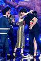 noah centineo thanks lana condors lips for best kiss award mtv awads 2019 21