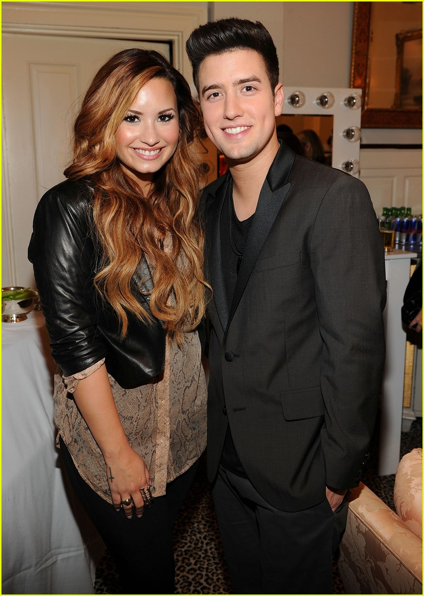 demi lovato logan henderson watch the bachelor together 01