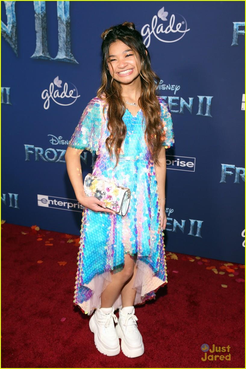 merrell twins influencers freeform stars more frozen premiere 04