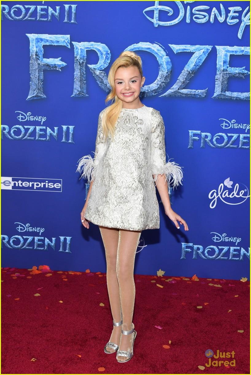 merrell twins influencers freeform stars more frozen premiere 52
