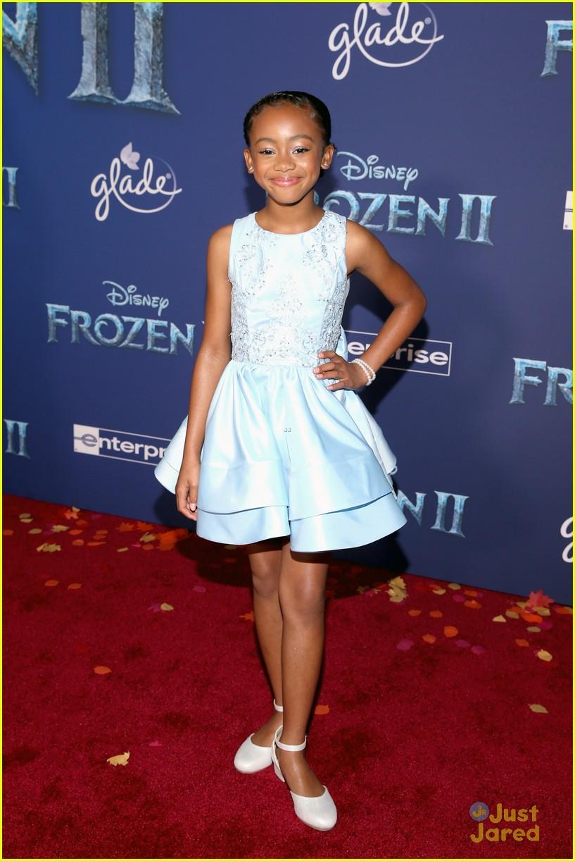 merrell twins influencers freeform stars more frozen premiere 57
