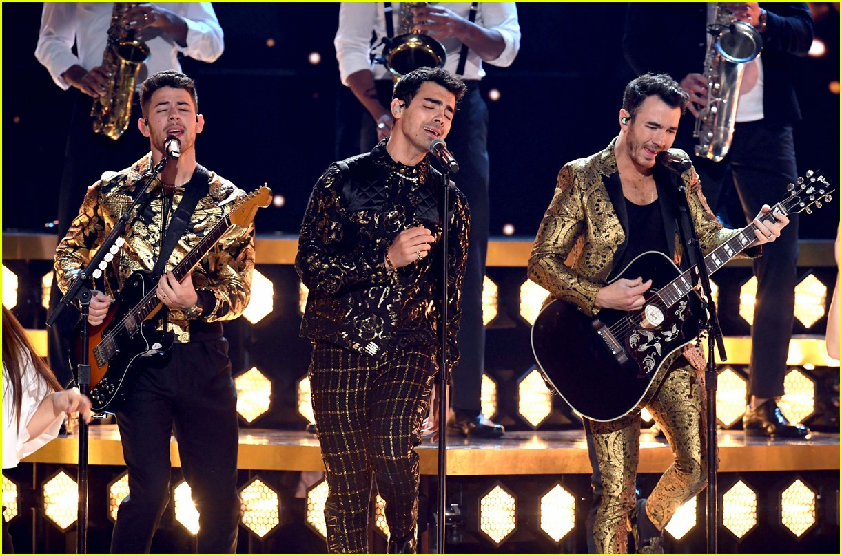 jonas brothers performance 2020 grammys 01