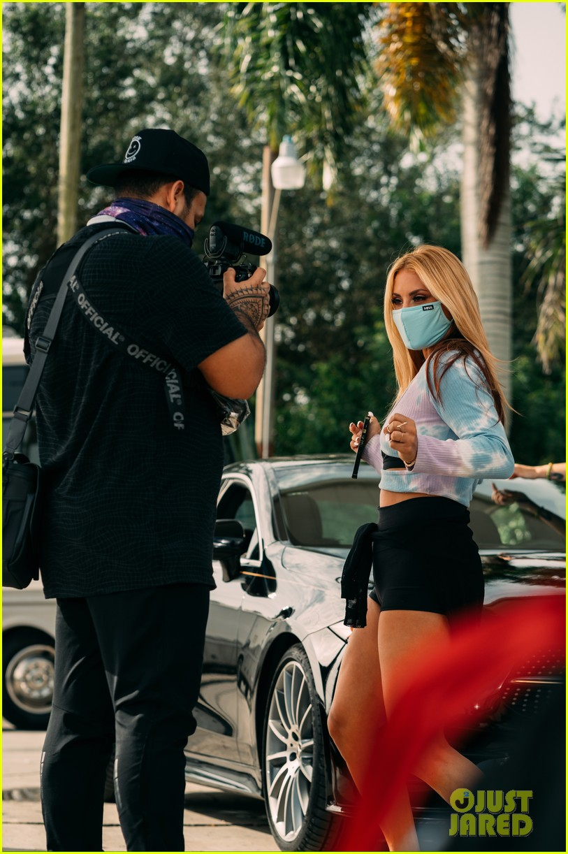 montana tucker premieres new sunday funday music video exclusive bts photos 04.
