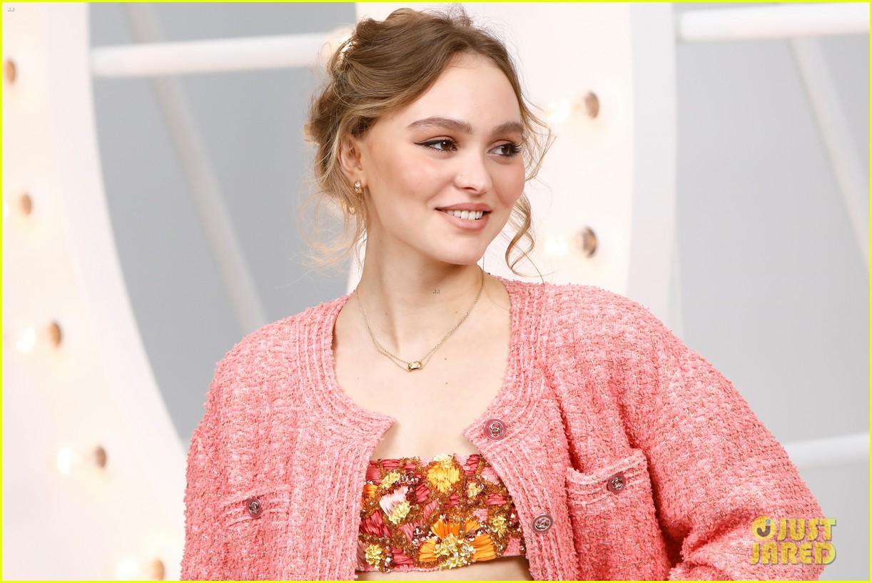 lily rose depp joins mom vanessa paradis at chanel paris fashion week show 02