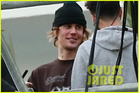 justin bieber rehearses for nye performance 04