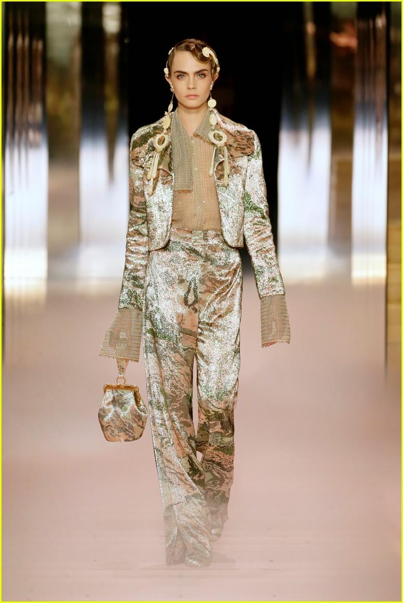 cara delevingne bella hadid hit the runway for fendi milan fashion show 03