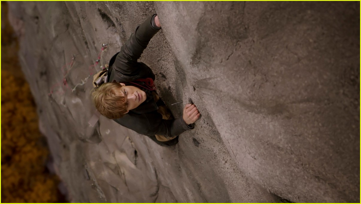 lucas till reacts to the news that macguyver will end after current season 03