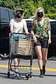 kristen stewart dylan meyer grocery shopping 05