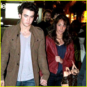 Kevin Jonas: I'm The Groom Who Wants To Plan My Wedding