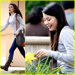 Miranda Cosgrove: School on Sunday
