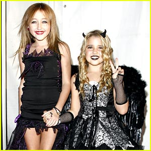 Noah Cyrus & Emily Grace Reaves are Vampire Vicious