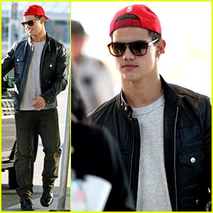 Taylor Lautner is Red Cap Cute