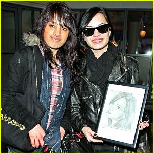 Demi Lovato Takes on T4