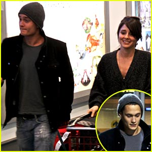 Rafi Gavron & Shiri Appleby: Airport Acquaintances