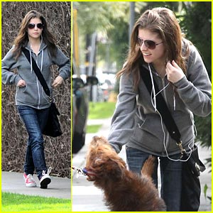 Anna Kendrick Gets Her Kix at Gelson's