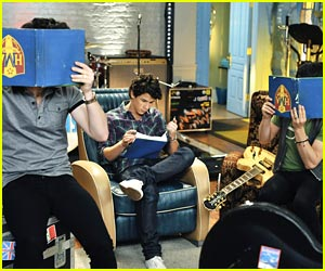 Jonas Brothers: Upside Down Study Session