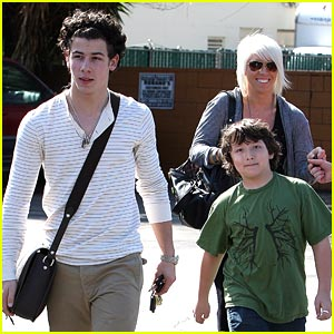 Nick &#038; Frankie Jonas: Paty's Pair
