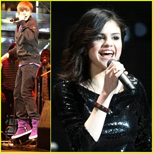 Selena Gomez & Justin Bieber Rock the Houston Rodeo