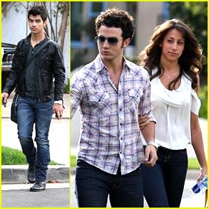 Kevin & Danielle Jonas: Sunday Family Fun!