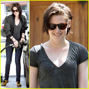 Kristen Stewart is Mini Cooper Cool