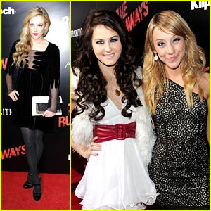 Stella Maeve & Scout-TaylorCompton Rock The Runaways