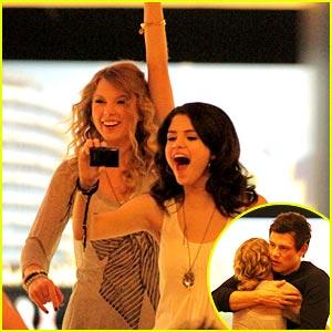 Taylor Swift & Selena Gomez Bowl with Cory & David