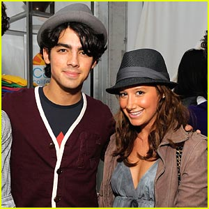 Joe Jonas & Ashley Tisdale: Dating Dilemmas!