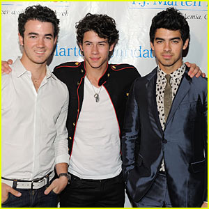 Jonas Brothers: TJ Martell Foundation Family Day!