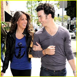Kevin & Danielle Jonas: Cute Kitson Couple