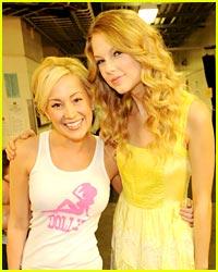 Taylor Swift & Kellie Pickler: CMT Battle