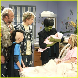 Bridgit Mendler & Jason Dolley: Welcome to the World, Charlie
