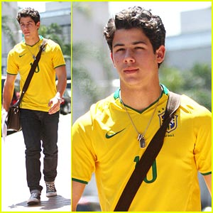 Nick Jonas is a DIVA!
