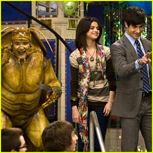 Selena Gomez: David Deluise Bugs Out!