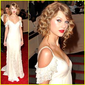 Taylor Swift is Ralph Lauren Lovely