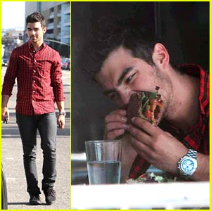 Joe Jonas: Big Burger Bite Boy!