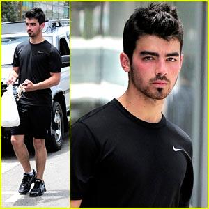 Joe Jonas: Love Me Tender Greens