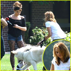 Miley Cyrus & Ashley Greene: Marlo & Mate Meet!
