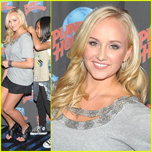 Nastia Liukin: Lifetime Member of Girl Scouts!