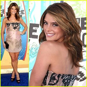 Ashley Greene: Valentino Vixen at 2010 TCAs!