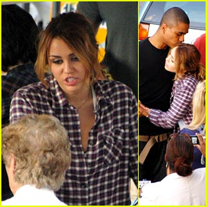 Miley Cyrus: Hugs on the L.O.L. Set